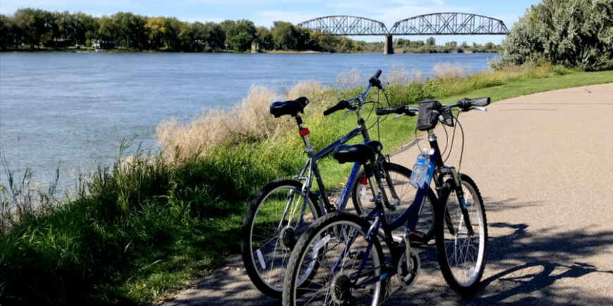 biking along the Missouri river