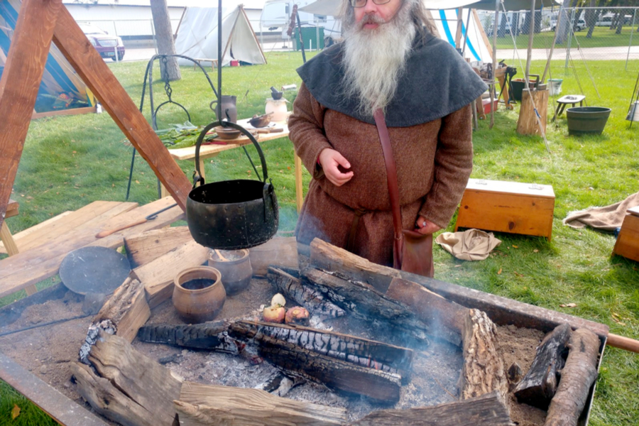 viking cooking.
