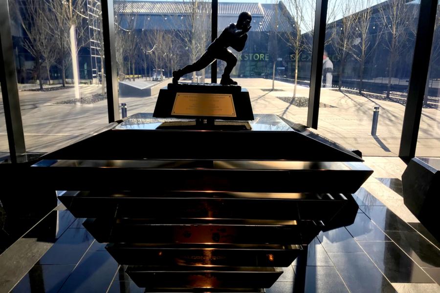 Mariota's Heisman trophy