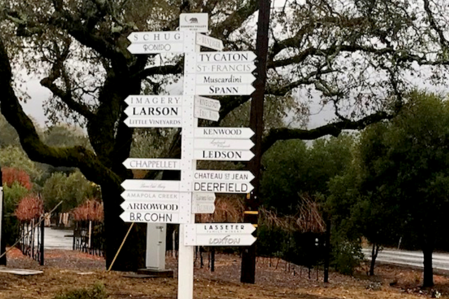 sonoma valley vineyard signs