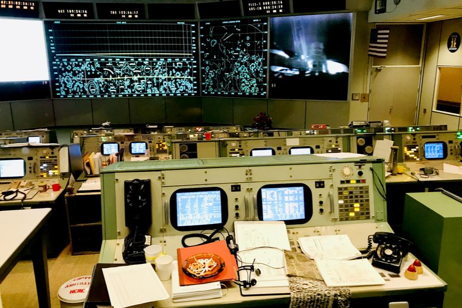 apollo mission control room